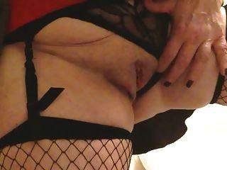 सेक्सी दादी बड़े स्तन squirts masterbates और cums