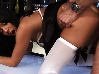जैस्मीन वेब और रोमाना राइडर - काले अंग्रेजों barmaids