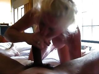 नानी सींग का बना काले मुर्गा चूसने