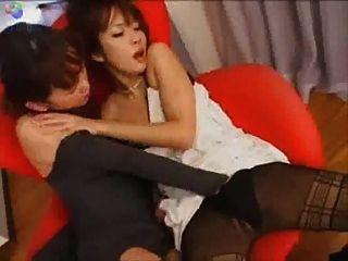 जापानी समलैंगिक चुंबन कुर्सी
