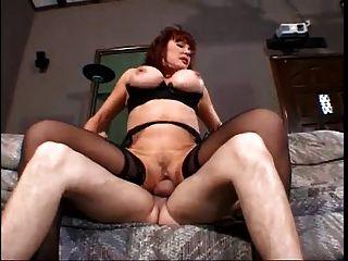 परिपक्व और लातीनी: सेक्सी वैनेसा बेला