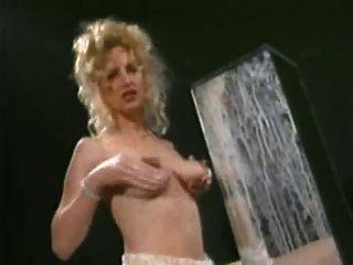दूधिया स्तन नाटक