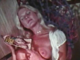 अल्फा ब्लू मिश्रित मांस सैंडविच (1970) 2