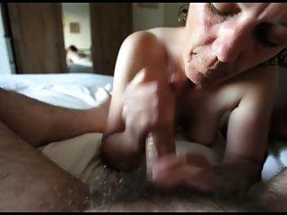 परिपक्व handjob और चूसने - एन।सी।