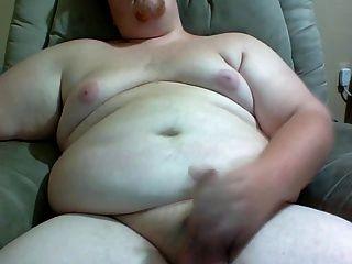मोटा आदमी आप के लिए अपने मुर्गा stroking।