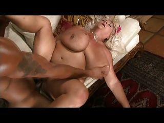 सेक्सी मोटी महिलाओं
