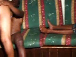 अफ्रीकी नंगा नाच