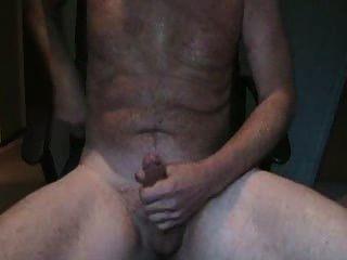 महान तृप्ति के साथ पुरुष वेब कैमरा हस्तमैथुन