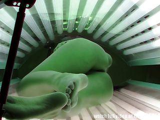 वास्तविक दृश्य दृश्यरतिक धूपघड़ी में एक जासूसी कैमरे से