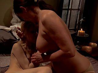 मां बेहतर nunsploitation - नन सेक्स!