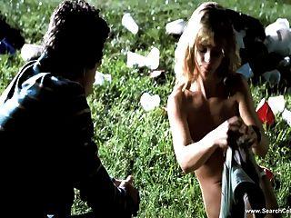क्रिस्टीना रिक्की नग्न दृश्य - एच.डी.
