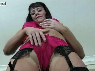 गर्म परिपक्व कौगर वेश्या गीला पाने के लिए प्यार करता है