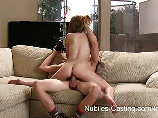कास्टिंग Nubiles - वह कैमरे पर बकवास करने के लिए उसे मना कर सकते हैं?