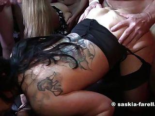 सास्किया Farell और सेक्सी बेला कट्टर बकवास