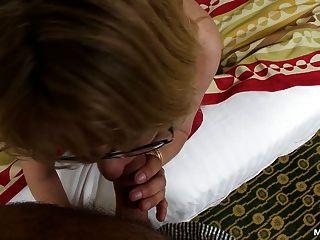 एक सींग दादी के साथ milf पीओवी
