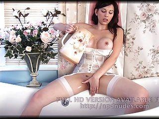 सोफी पार्कर (APD nudes.com)