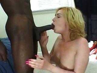 सफेद लड़की यह पागल तक बड़ा काला मुर्गा पर बेकार