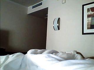 होटल नौकरानी चमकती अपने मुर्गा 10A