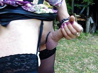 बाहर एक summerday पर trannycock