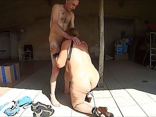 नग्न परिपक्व गुलाम वेश्या