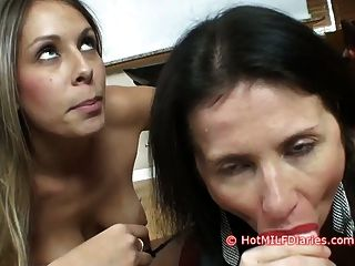 Slutty बेटी हॉट नई पत्नी पर blowjob प्रतियोगिता जीतता
