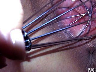 बेली राइडर अंदर से हमें उसकी योनी से पता चलता है