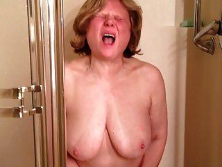 Marie शॉवर में soooo मुश्किल cums
