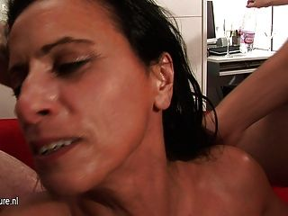 गांठदार परिपक्व फूहड़ माँ गिरोह कठिन और लंबी टक्कर लगी हो जाता है