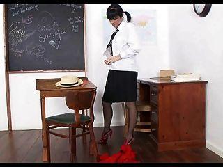 स्कूल लड़की मोजा व खिलौने