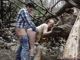 सड़क पर जंगल में सार्वजनिक सेक्स।लिली ligotage और Rocko