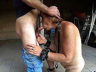 मुर्गा चूसने वेश्या