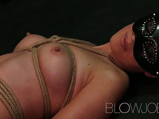 blowjob बीडीएसएम कट्टर गले चूसने और कमबख्त