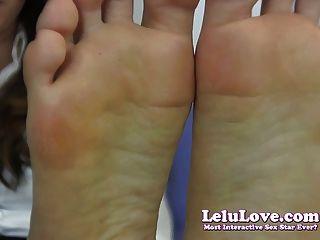 Lelu प्यार-शर्मिंदा सचिव पैर बुत