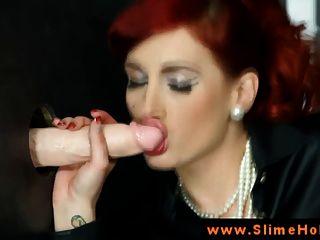 gloryhole चूसने में रेड इंडियन बेब bukkake