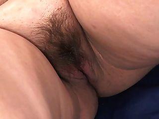 गर्भवती - dustee