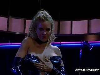 क्रिस्टिन Bauer टॉपलेस - ब्लू गोधा पर नृत्य (2000)