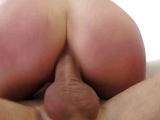 सेक्सी एंजेला व्हाइट गुदा अंतरजातीय डबल प्रवेश