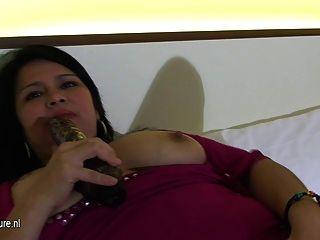मोटा परिपक्व Mamasita अकेले झटका बंद