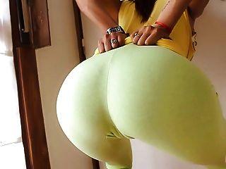अल्ट्रा तंग योग पैंट में सही दौर गधे!cameltoe n स्तन