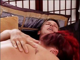 रेबेका प्यार क्रूसिबल मोहित सेक्स को पूरा करती है