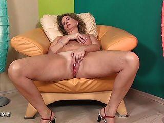 सेक्सी परिपक्व माँ उसके बड़े योनि fisting