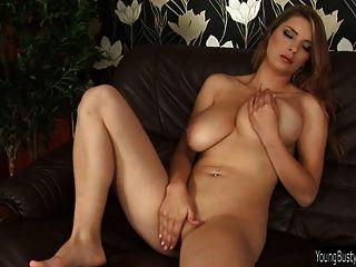 विशाल खिलौना भाड़ सेक्सी युवा कैथी