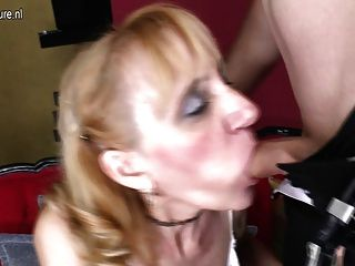 परिपक्व फूहड़ माँ लड़के से बकवास और चेहरे हो जाता है