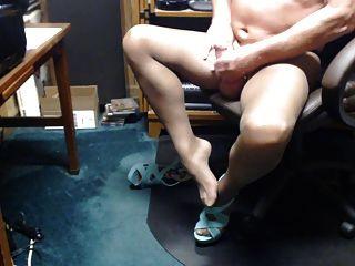 Pantyhose कमिंग में crossdresser
