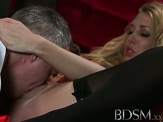 बीडीएसएम XXX बिग छाती उप प्यार करता है कामुक कट्टर उपचार