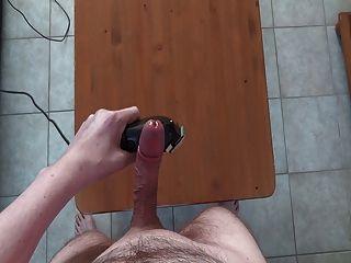 विशाल हाथों मुक्त cumshot