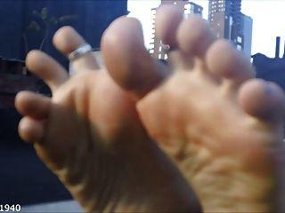 पैरों के तलवों और पैर की अंगुली wiggling संकलन