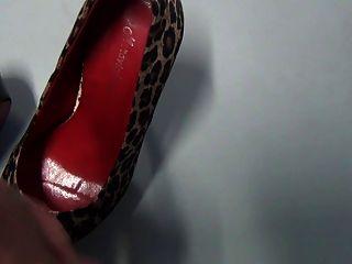 shoejob और जूते में सह कार्यालय में मेरे मालिक