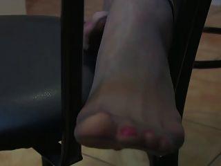 एलिसन चमड़ा चड्डी और pantyhose छेड़ो