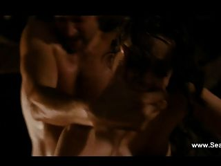 Roxane Mesquida नग्न और त्रिगुट सेक्स - sennentuntschi